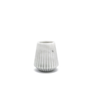 Vaso basso in marmo bianco by Jacopo Simonetti